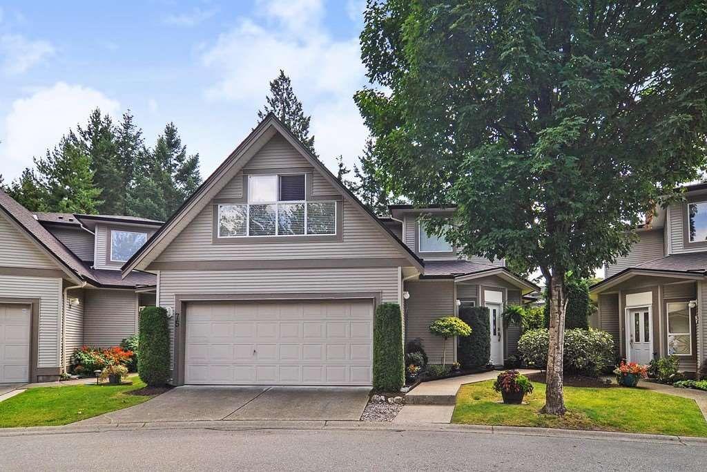 "Main Photo: 75 20881 87 Avenue in Langley: Walnut Grove Townhouse for sale in ""Kew Gardens"" : MLS®# R2395685"