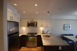 """Photo 2: 315 55 EIGHTH Avenue in New Westminster: GlenBrooke North Condo for sale in """"Eight West"""" : MLS®# R2398195"""