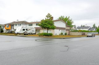 """Photo 1: 1431 SMITH Avenue in Coquitlam: Central Coquitlam House for sale in """"CENTRAL COQUITLAM"""" : MLS®# R2319840"""