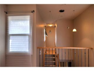 Photo 4: 248 54 GLAMIS Green SW in Calgary: Glamorgan House for sale : MLS®# C4109785