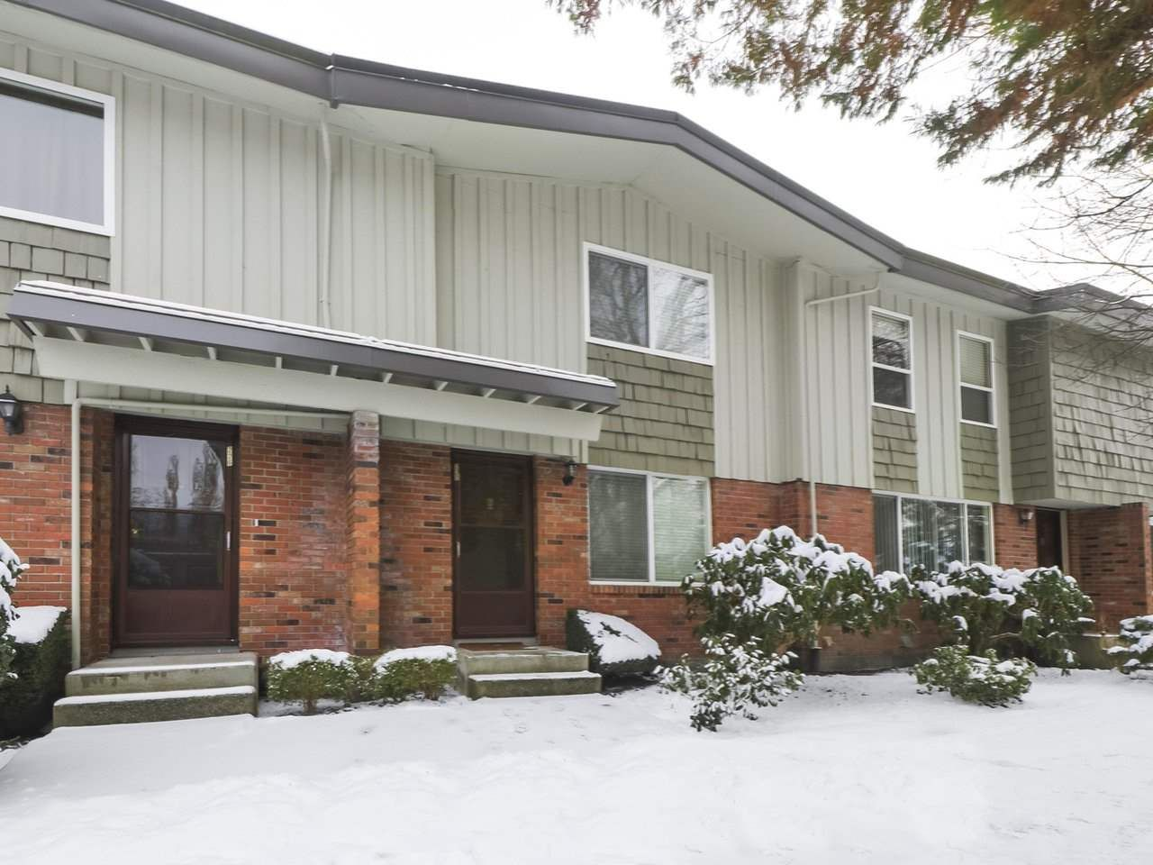 Main Photo: 227 9061 HORNE STREET in : Government Road Townhouse for sale : MLS®# R2428796