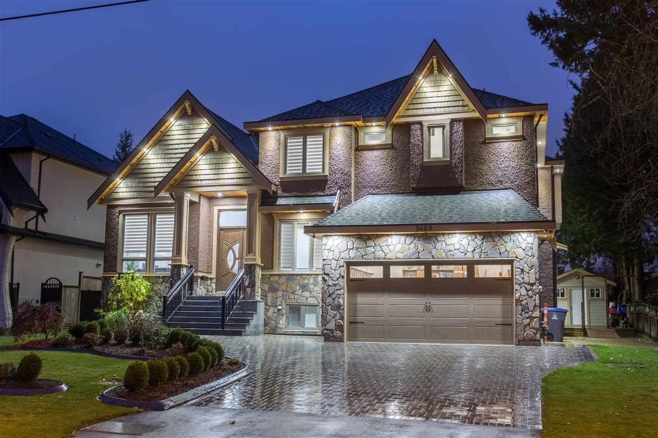 """Main Photo: 9469 159A Street in Surrey: Fleetwood Tynehead House for sale in """"Fleetwood Tynehead"""" : MLS®# R2339112"""