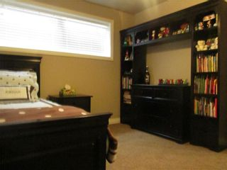 Photo 24: 1404 KERWOOD Crescent SW in Calgary: Kelvin Grove Detached for sale : MLS®# A1053643