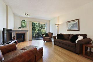 Photo 6: 206 1725 MARTIN Drive in Surrey: Sunnyside Park Surrey Condo for sale (South Surrey White Rock)  : MLS®# R2604978