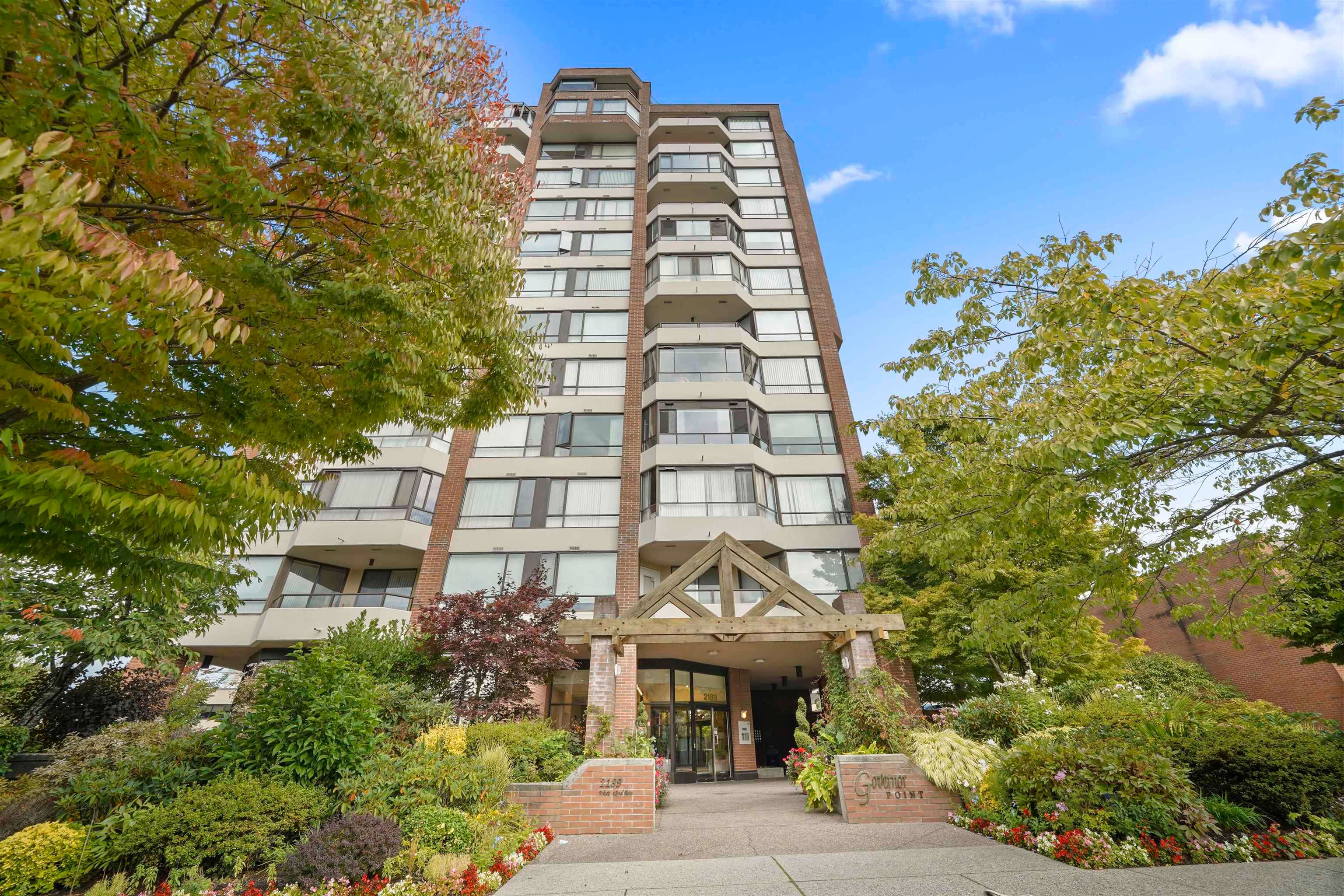 """Main Photo: 503 2189 W 42ND Avenue in Vancouver: Kerrisdale Condo for sale in """"Governor Point"""" (Vancouver West)  : MLS®# R2622142"""