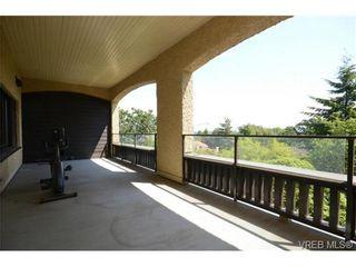 Photo 18: 2 1001 Terrace Ave in VICTORIA: Vi Rockland Condo for sale (Victoria)  : MLS®# 732782