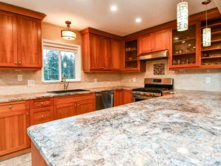 Photo 13: 220 STRATFORD DRIVE in CAMPBELL RIVER: CR Campbell River Central House for sale (Campbell River)  : MLS®# 805460
