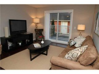 """Photo 2: 11 327 E 33RD Avenue in Vancouver: Main Townhouse for sale in """"WALK TO MAIN"""" (Vancouver East)  : MLS®# V868106"""