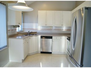 """Photo 5: 1 11952 64TH Avenue in Delta: Sunshine Hills Woods Townhouse for sale in """"Sunwood Place"""" (N. Delta)  : MLS®# F1400942"""