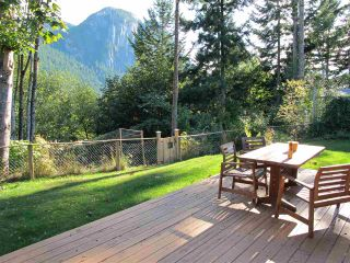 """Photo 5: 1119 PLATEAU Crescent in Squamish: Plateau House for sale in """"PLATEAU"""" : MLS®# R2236845"""