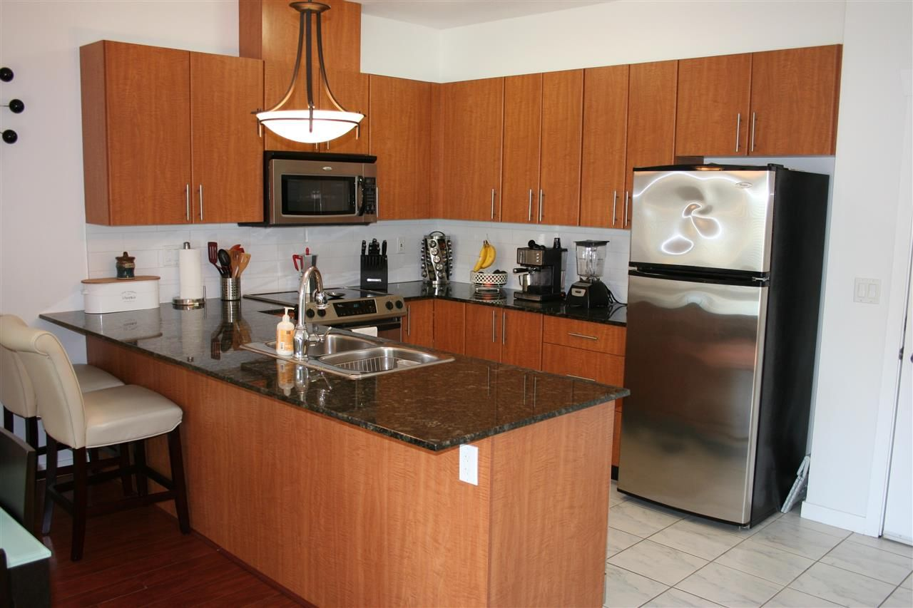 Photo 6: Photos: 106 2488 KELLY Avenue in Port Coquitlam: Central Pt Coquitlam Condo for sale : MLS®# R2216914