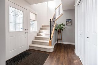 Photo 4: 18 SOMERSIDE Close SW in Calgary: Somerset House for sale : MLS®# C4174263