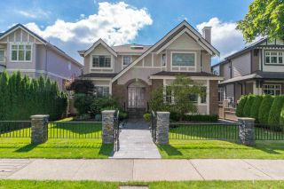 Photo 2: 2038 W 45TH AVENUE in Vancouver: Kerrisdale House for sale (Vancouver West)  : MLS®# R2576453