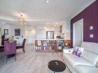 """Photo 10: PH8 3581 ROSS Drive in Vancouver: University VW Condo for sale in """"VIRTUOSO"""" (Vancouver West)  : MLS®# R2587644"""