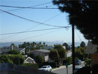Photo 1: PACIFIC BEACH House for sale : 5 bedrooms : 1824 Malden St in San Diego