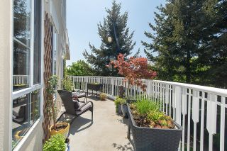 """Photo 18: 313 5835 HAMPTON Place in Vancouver: University VW Condo for sale in """"ST. JAMES HOUSE"""" (Vancouver West)  : MLS®# R2265887"""