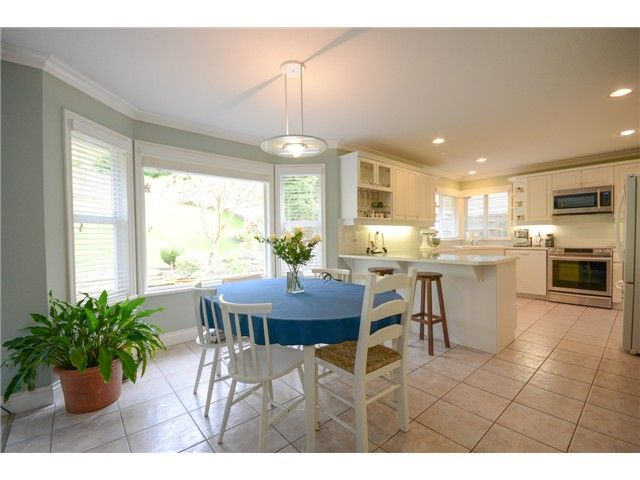 """Photo 3: Photos: 1648 SPYGLASS Crescent in Tsawwassen: Cliff Drive House for sale in """"Imperial Village"""" : MLS®# V1114197"""