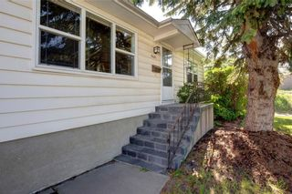 Photo 4: 2451 28 Avenue SW in Calgary: Richmond Detached for sale : MLS®# A1063137