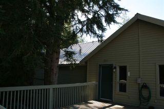 """Photo 12: 2243 BRANDYWINE Way in Whistler: Bayshores 1/2 Duplex for sale in """"BAYSHORES"""" : MLS®# R2096332"""