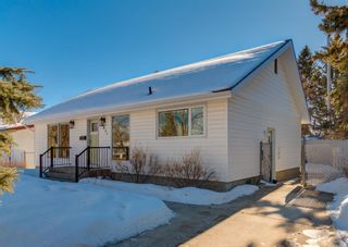 Photo 3: 2851 63 Avenue SW in Calgary: Lakeview Detached for sale : MLS®# A1074382