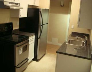 "Photo 2: 588 E 5TH Ave in Vancouver: Mount Pleasant VE Condo for sale in ""MCGREGOR HOUSE"" (Vancouver East)  : MLS®# V616777"