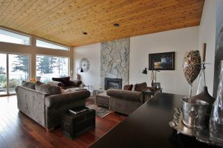 Photo 10: 4653 EDGECOMBE Road in Madeira Park: Pender Harbour Egmont House for sale (Sunshine Coast)  : MLS®# R2038632