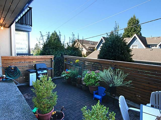 Main Photo: # 104 2545 LONSDALE AV in North Vancouver: Upper Lonsdale Condo for sale : MLS®# V1105829