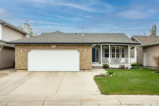 Photo 2: 734 Murray Crescent in Warman: Residential for sale : MLS®# SK856528