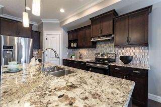 Photo 3: 10979 76 Avenue NW in Edmonton: Zone 15 House Half Duplex for sale : MLS®# E4266055