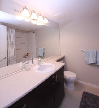 """Photo 8: 307 3110 DAYANEE SPRINGS Boulevard in Coquitlam: Westwood Plateau Condo for sale in """"LEDGEVIEW"""" : MLS®# R2229127"""
