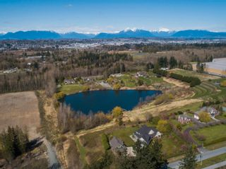 Photo 9: 19045 40 Avenue in Surrey: Serpentine House for sale (Cloverdale)  : MLS®# R2569571