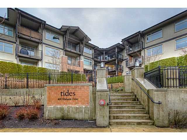 Main Photo: 211 400 Klahanie Drive in Port Moody: Condo for sale : MLS®# V1039706