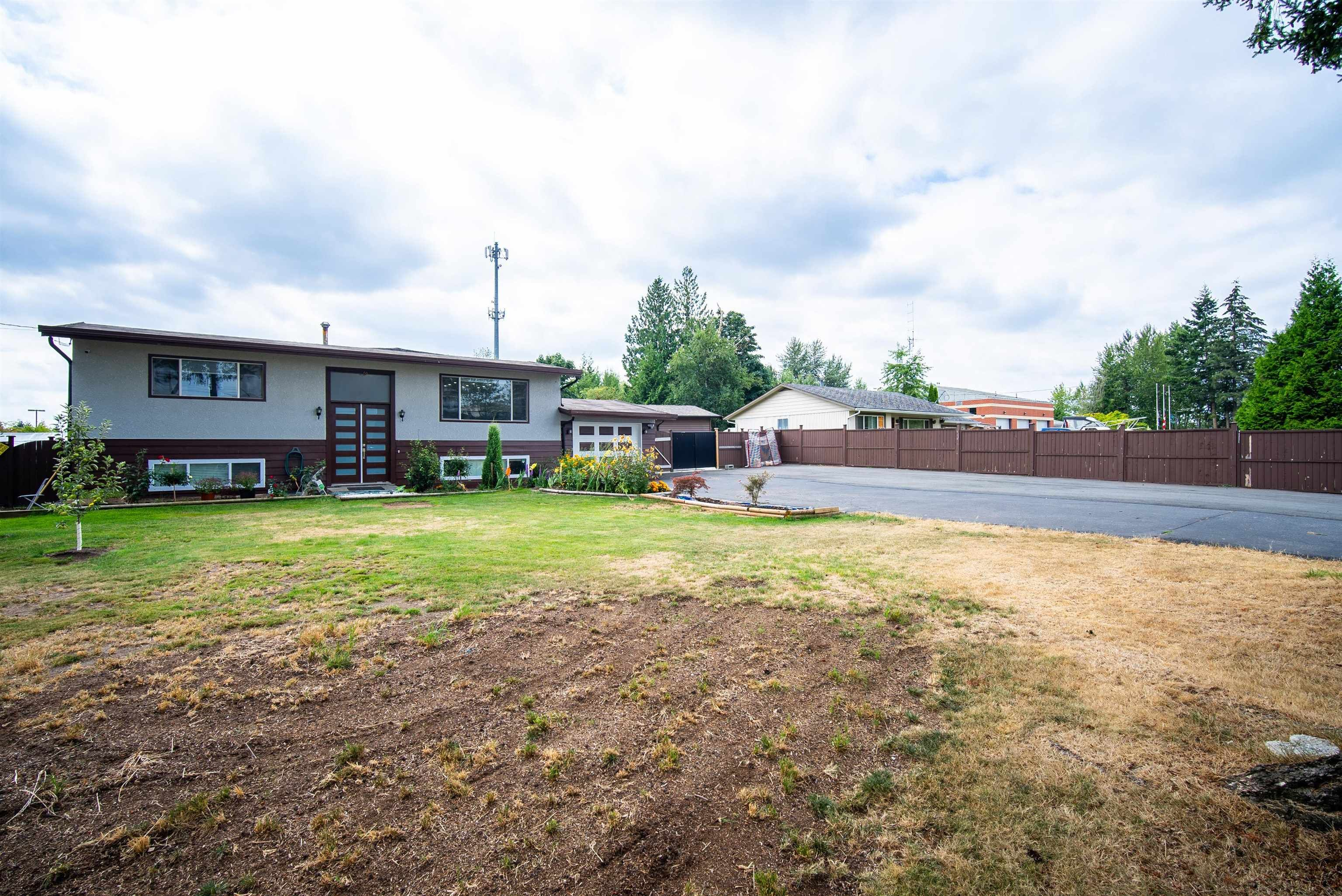 Main Photo: 26340 30A Avenue in Langley: Aldergrove Langley House for sale : MLS®# R2614135