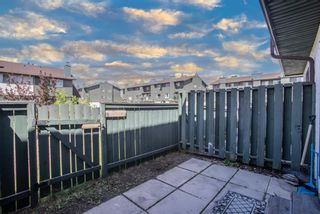 Photo 2: 84 2511 38 Street NE in Calgary: Rundle Row/Townhouse for sale : MLS®# A1115579