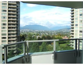 """Photo 3: 750 4825 HAZEL Street in Burnaby: Forest Glen BS Condo for sale in """"THE EVERGREEN"""" (Burnaby South)  : MLS®# V790420"""