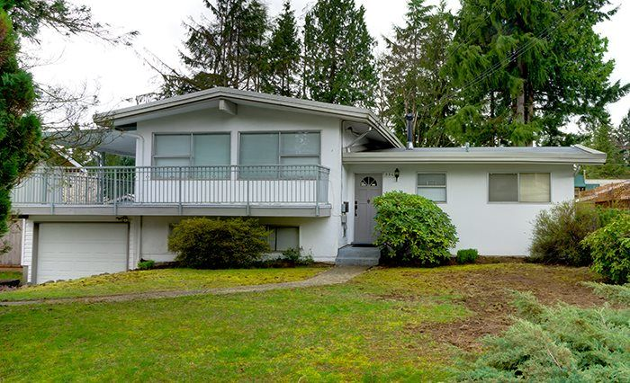 Main Photo: 554 DRAYCOTT Street in Coquitlam: Central Coquitlam House for sale : MLS®# R2045575