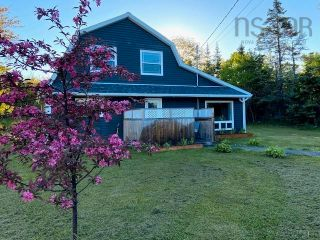 Main Photo: 16 Spruce Drive in Cow Bay: 11-Dartmouth Woodside, Eastern Passage, Cow Bay Residential for sale (Halifax-Dartmouth)  : MLS®# 202120295