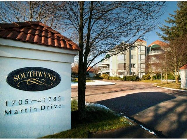 """Main Photo: 403 1765 MARTIN Drive in Surrey: Sunnyside Park Surrey Condo for sale in """"SOUTHWYND"""" (South Surrey White Rock)  : MLS®# F1415442"""