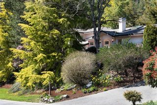 Photo 2: 8592 Deception Pl in : NS Dean Park House for sale (North Saanich)  : MLS®# 872952
