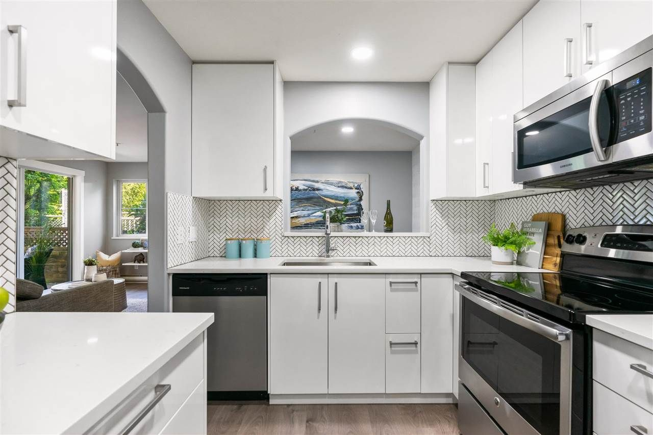 """Main Photo: 101 3128 FLINT Street in Port Coquitlam: Glenwood PQ Condo for sale in """"Fraser Court Terrace"""" : MLS®# R2582771"""