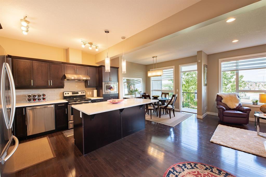 Main Photo: 115 Kincora Heath NW in Calgary: Kincora Row/Townhouse for sale : MLS®# A1124049