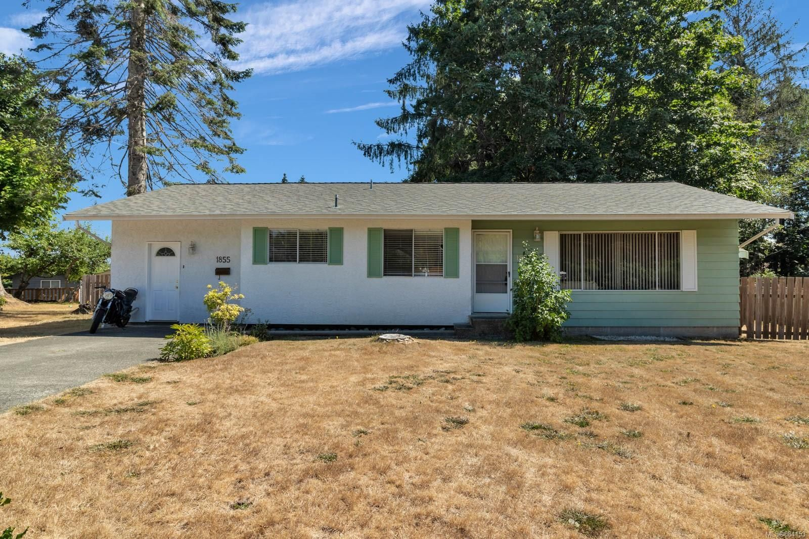 Main Photo: 1855 Cranberry Cir in : CR Willow Point House for sale (Campbell River)  : MLS®# 884153