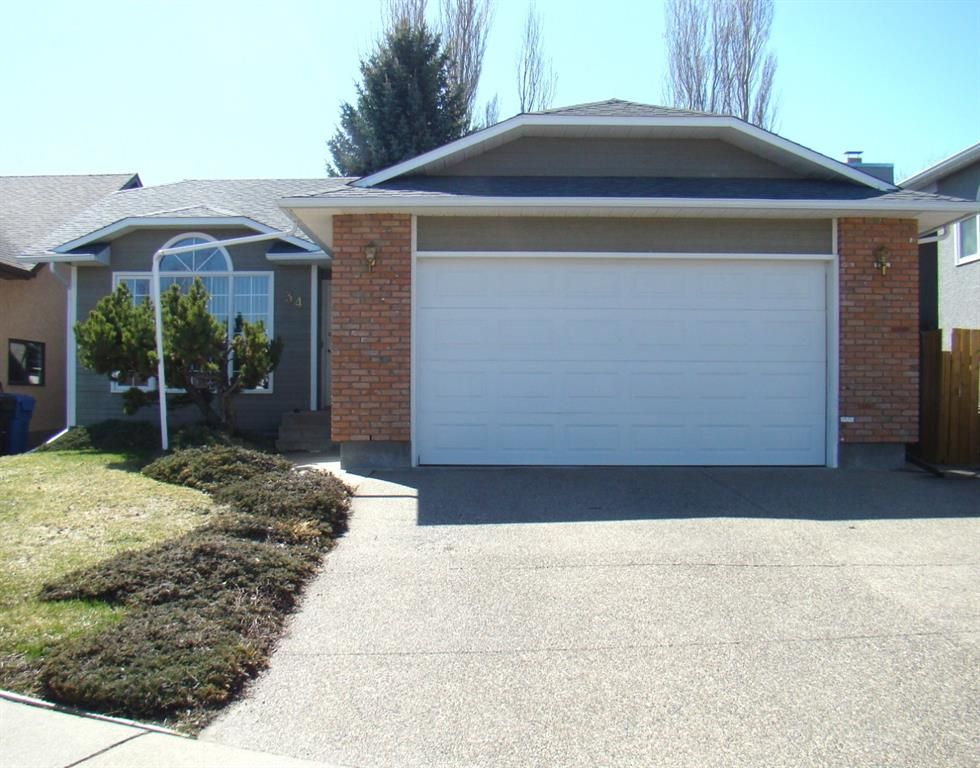 Main Photo: 34 Edgewood Place W in Lethbridge: Ridgewood Residential for sale : MLS®# A1089634