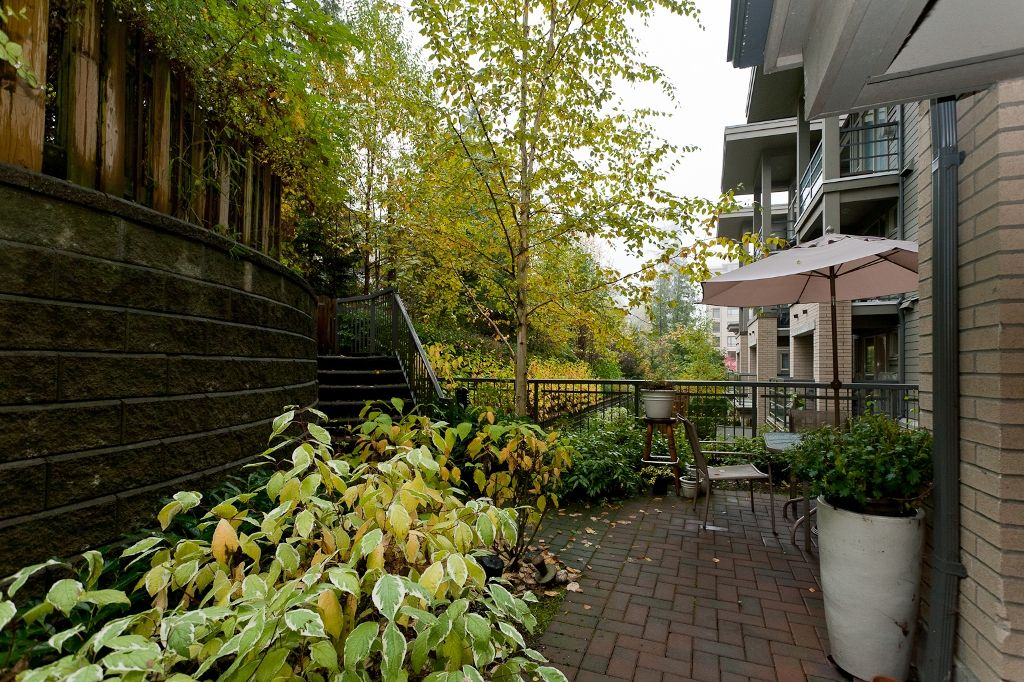 """Photo 1: Photos: 313 9319 UNIVERSITY Crescent in Burnaby: Simon Fraser Univer. Condo for sale in """"HARMONY AT THE HIGHLAND"""" (Burnaby North)  : MLS®# V924825"""