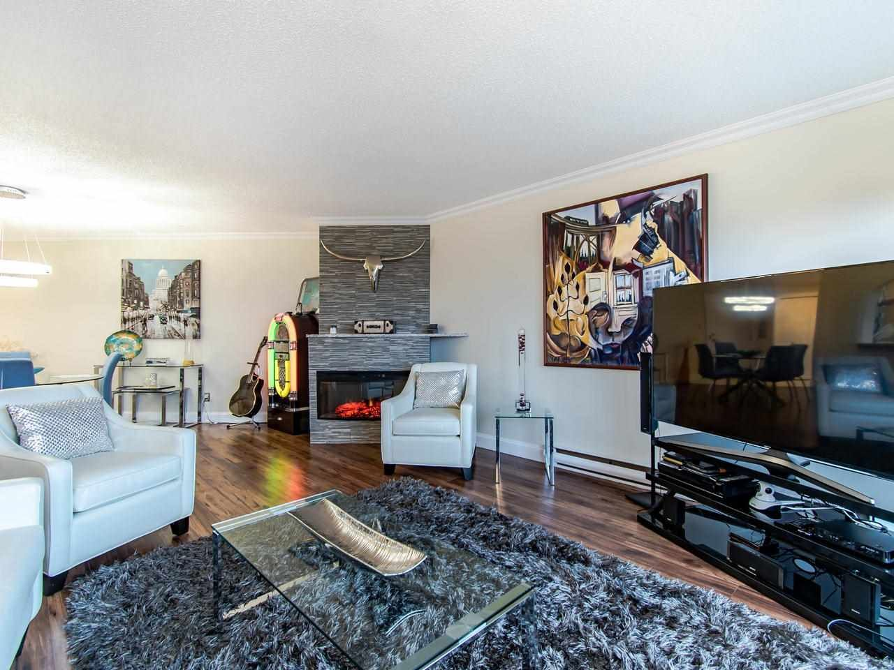 Main Photo: 507 3920 HASTINGS STREET in Burnaby: Willingdon Heights Condo for sale (Burnaby North)  : MLS®# R2443154