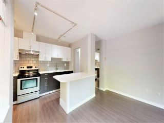 Photo 3: 104 2920 ASH Street in Vancouver: Fairview VW Condo for sale (Vancouver West)  : MLS®# R2574820