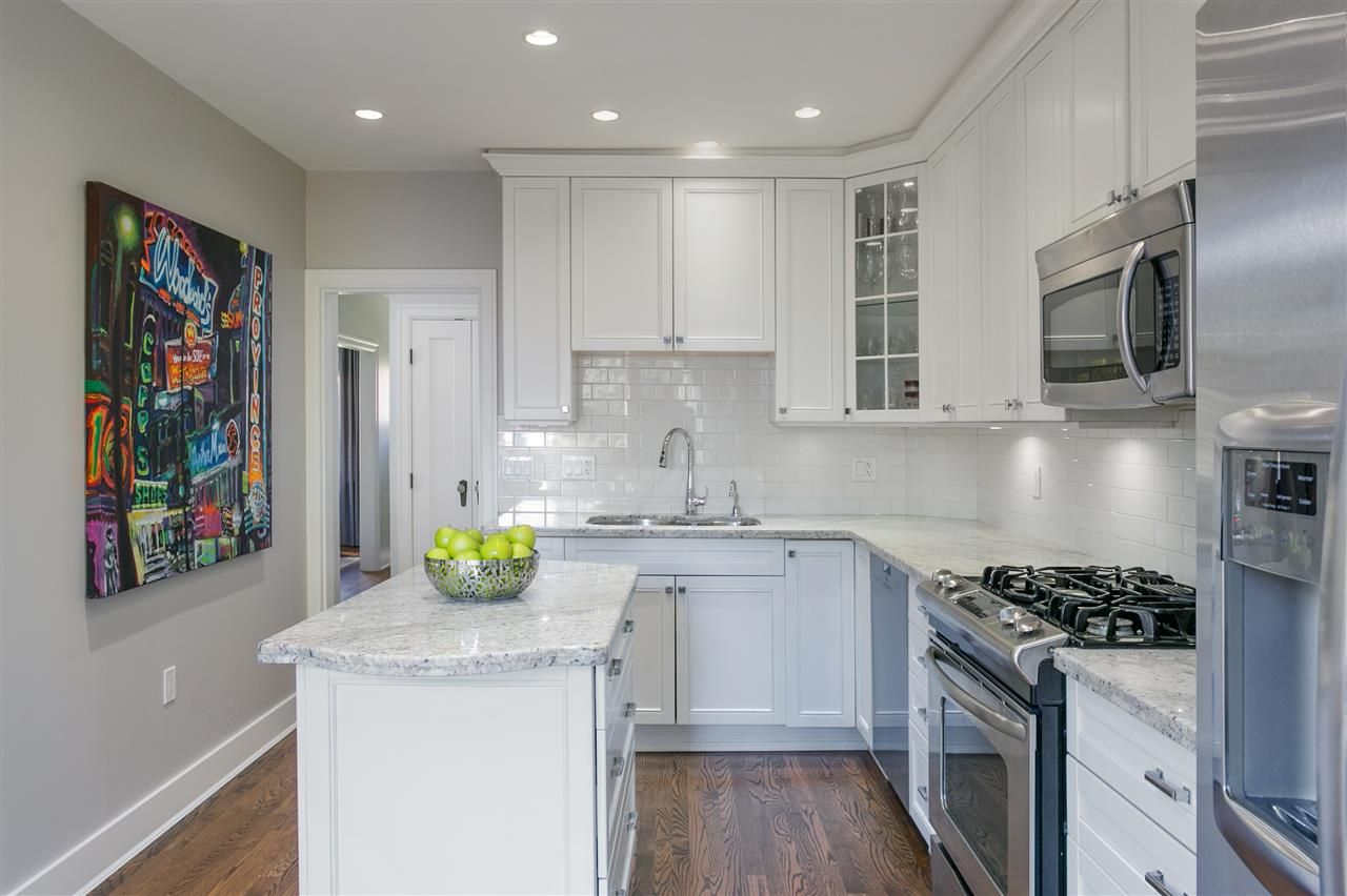 Photo 12: Photos: 68 W 23RD Avenue in Vancouver: Cambie House for sale (Vancouver West)  : MLS®# R2361113
