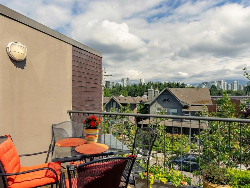 FEATURED LISTING: 832 7TH Avenue West Vancouver