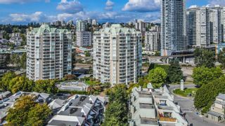 """Photo 4: 802 1045 QUAYSIDE Drive in New Westminster: Quay Condo for sale in """"Quayside Tower"""" : MLS®# R2617819"""