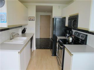 Photo 5: 102 98 10TH Street in New Westminster: Downtown NW Condo for sale : MLS®# V946343
